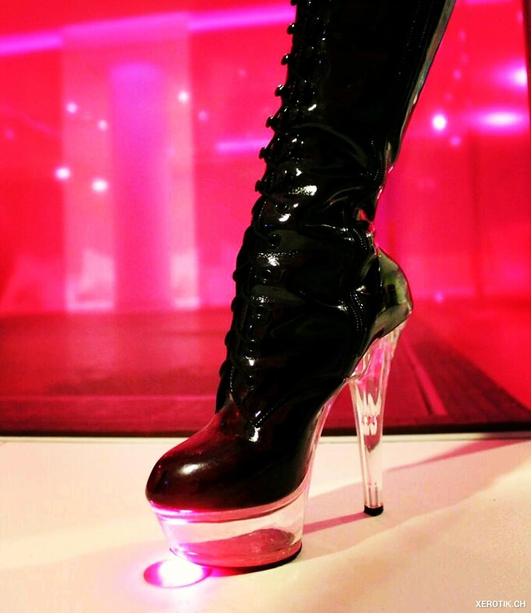 Erotik inserate Berührbare Dominanz Lady Jana zu Gast in Zürich Centrum