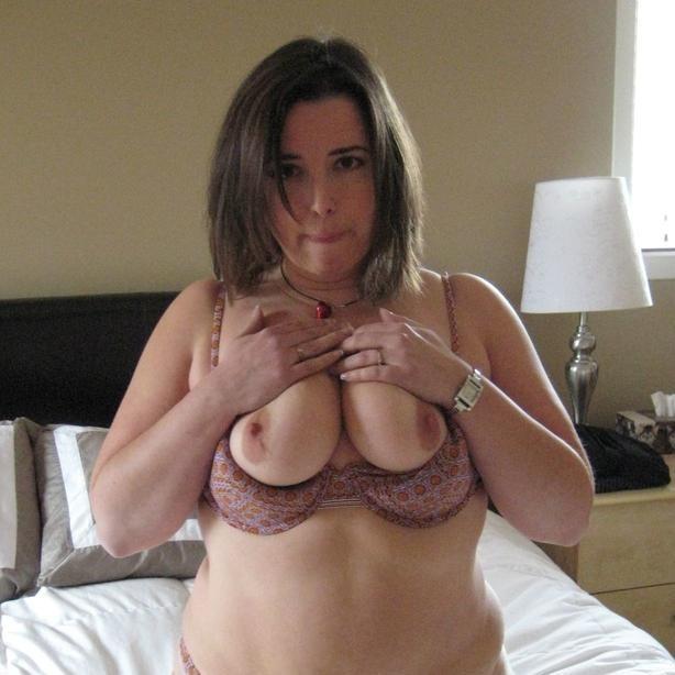 Erfahrene Frau mit sinnlichem Körper Karina